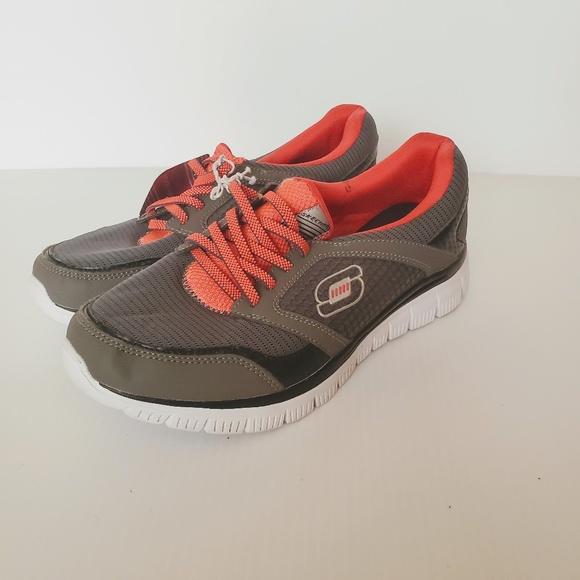 Skechers Womens Memory Foam wide fit Shoes Sz 8W. BH8SS
